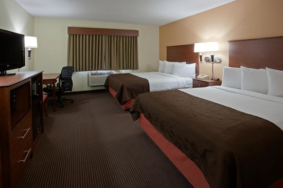 AmericInn Lodge & Suites Bismarck : Deluxe Room with Two Queen Beds