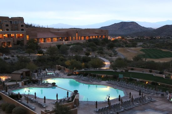 JW Marriott Tucson Starr Pass Resort & Spa: Dusk at Starr Pass