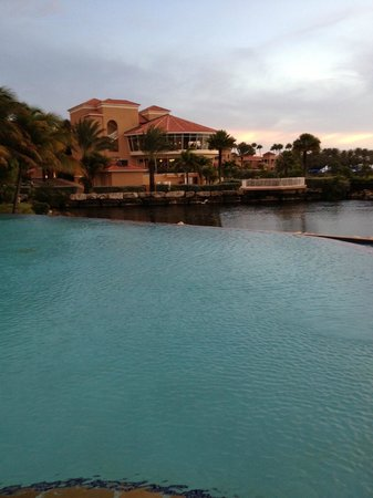 Divi Village Golf and Beach Resort: Vista del Resort