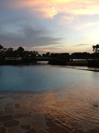Divi Village Golf and Beach Resort: Vista de la piscina