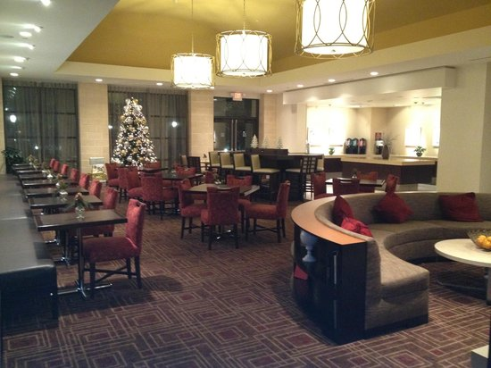 Homewood Suites Dallas/Allen: View of dining room and buffet area