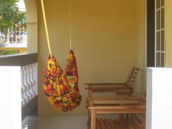Seastar Inn: patio