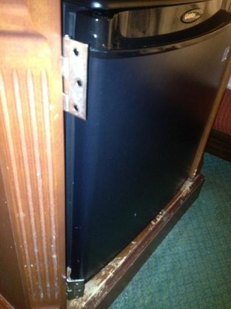 Tropicana Casino and Resort: missing door on nightstand
