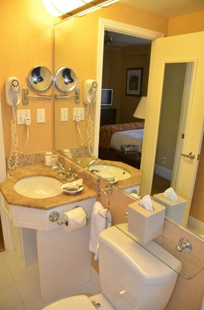 The Inn at Union Square - A Greystone Hotel: Toilet