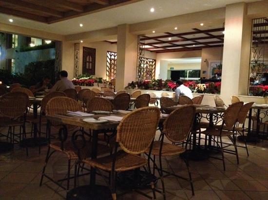 Hotel Estelar Altamira: Excelente Comida