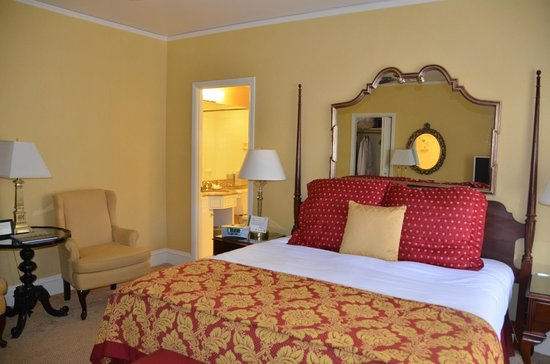 The Inn at Union Square - A Greystone Hotel: Bed