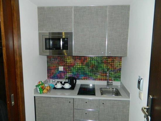Eurostars Oporto: Mini cozinha e Bar!!