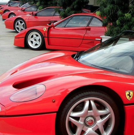 Marconi Automotive  Museum: Red Ferrari's
