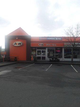 A&W Restaurant: Ryan Rd A & W