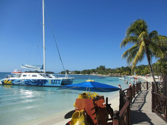 Sandals Negril Beach Resort & Spa: catamaran