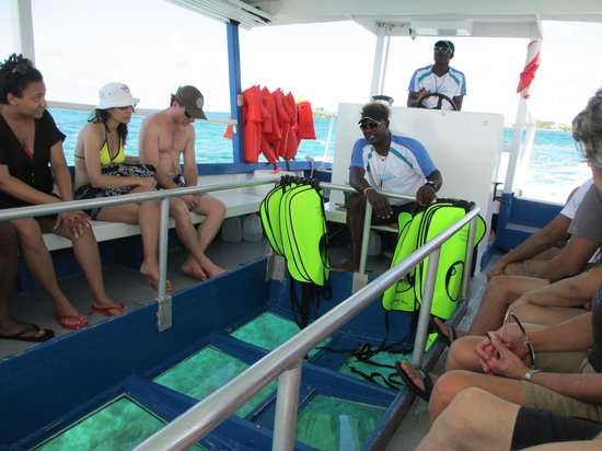Sandals Negril Beach Resort & Spa: glass bottom boat ride - complimentary at Sandals Negril