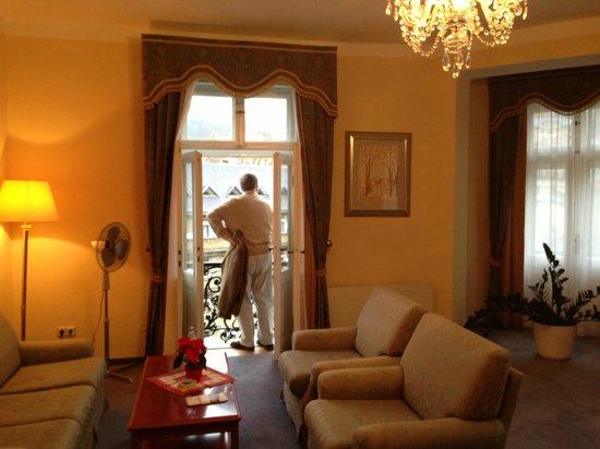 Grandhotel Pupp: living room of premier suite