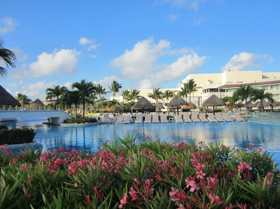Moon Palace Cancun: An overview of the property.