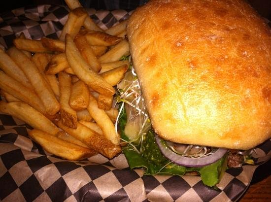 Circle J Cafe : the Diego burger!