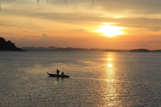 Telunas Beach Resort: Unbeatable Sunsets