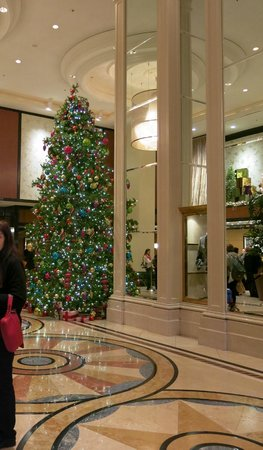 The Westin St. Francis San Francisco on Union Square: Christmas decorations in the foyer of the St. Francis