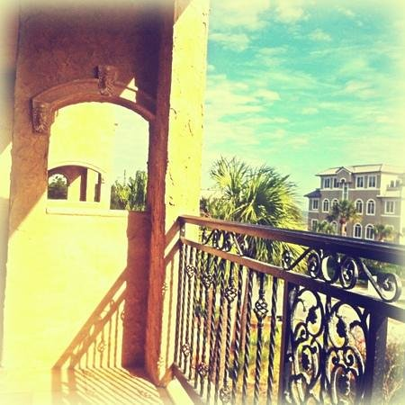Ocean Lodge: coffee on the balcony :)