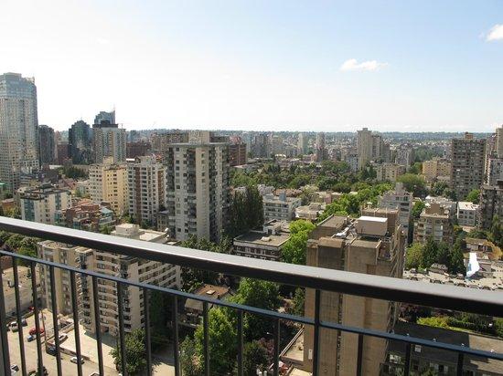 Blue Horizon Hotel: Vancouver cityscape