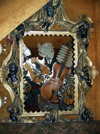 House on the Rock: Musical Picture Frame