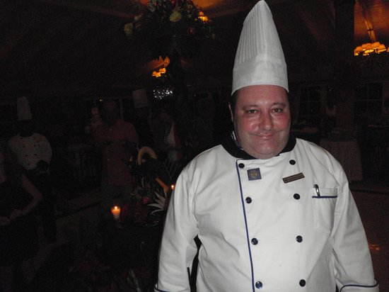 Grand Bahia Principe El Portillo: Head Chef is always around keeping an eye on things.  Top marks to this guy.