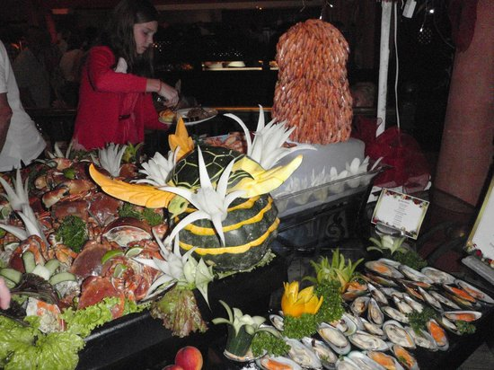 Grand Bahia Principe El Portillo: Gala night, with tons of shrimp
