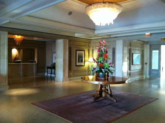 Fairmont Orchid, Hawaii: the lovely lobby