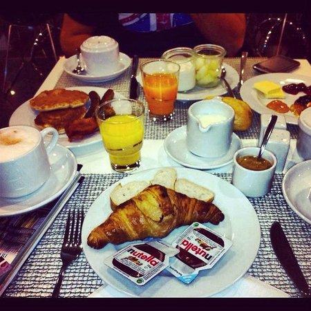 Tryp Berlin Mitte: minima parte della colazione :)