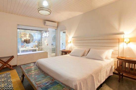 Arembepe, BA: Suite 7, conhecida como o apartamento da noiva, tem banheira jacuzzi