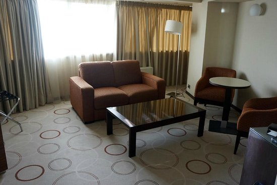 Doubletree by Hilton Bucharest Unirii Square : Junior Suite