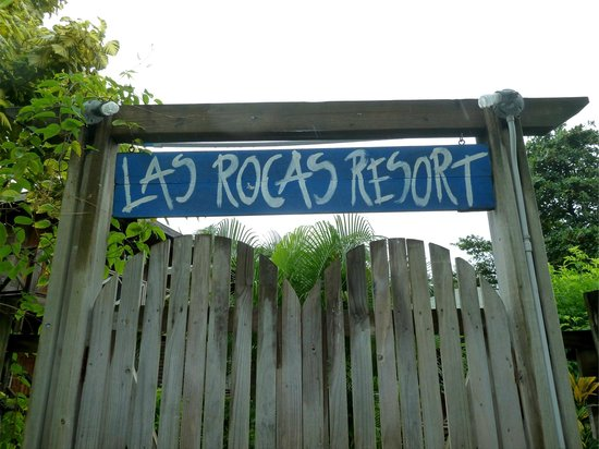Las Rocas Resort & Dive Center: Las Rocas gate