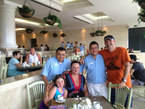 Moon Palace Cancun: Best guys in the resort !! :)