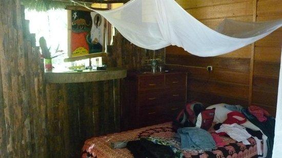 Ecoaldea Kapievi: Las camas tienen mosquiteros