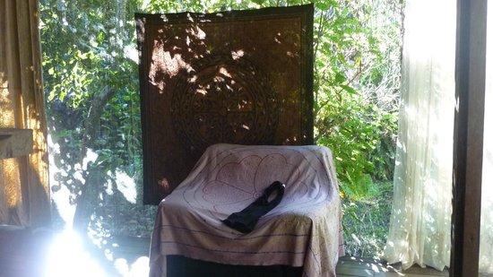 Ecoaldea Kapievi: Cabañas tienen paredes de red para que sea fresco u los insectos no ingresen