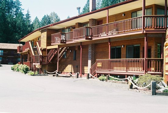 Glen Ayr Resort: South side of Motel