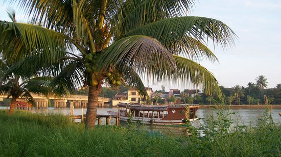 Pho Hoi Riverside Resort: from the resort looking toward town