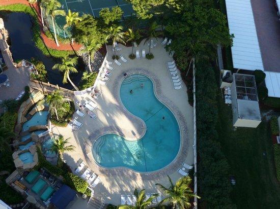 Pointe Estero Beach Resort: Pool
