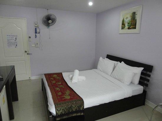 Tonaor Place: ベッド
