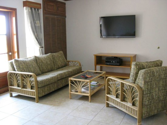 Ambergris Lake Villas: Living Area