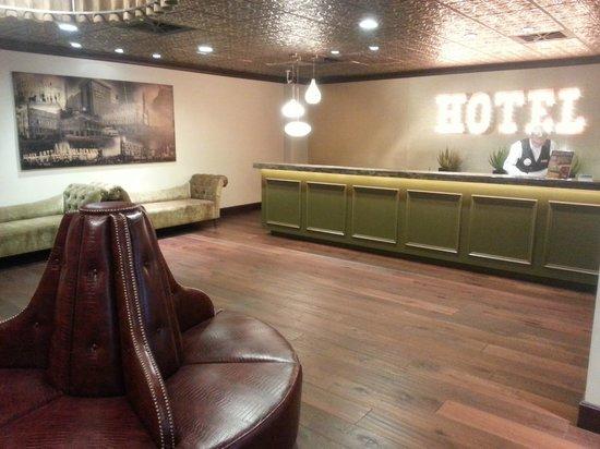 โรงแรมโกลเด้นเกทแอนคาสิโน: Lobby