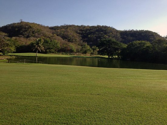 Campo de Golf Tangolunda: Water