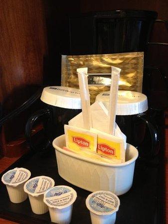 Hilton Garden Inn BWI Airport: yay...coffee!