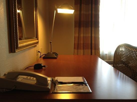 Hilton Garden Inn BWI Airport: desk