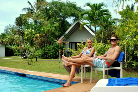 Palm Grove: Pool with garden bungalows