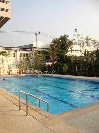Princess Suvarnabhumi Airport Residence: Outdoor pool