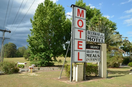 ‪Beerwah Glasshouse Motel‬