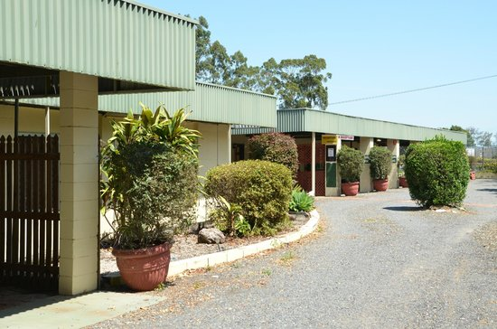 Beerwah Glasshouse Motel : the motel entrance