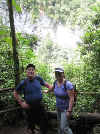 Ian Anderson's Caves Branch Jungle Lodge: hiking to the Black Hole Drop
