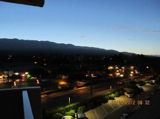 The Hale Pau Hana: Sunrise from the lanai
