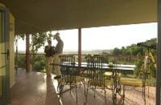Wombadah Guest House: Breakfast on the verandah?