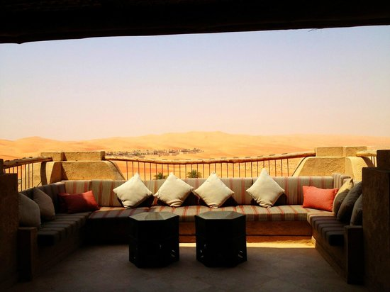 Qasr Al Sarab Desert Resort by Anantara: Lovely balcony area